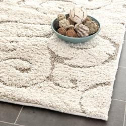 A 5'x5' rug. I love the look, but need the size.