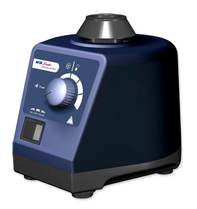 Agitador vortex volumen variable funcionamiento en modo continuo o discontinuo. Sistema de fijación de adaptadores por simple clic. Carcasa robusta en fundición. Patas de silicona y base de acero especialmente diseñadas para amortiguación de la vibración. Rueda excéntrica con rodamientos. Protección según DIN EN60529: IP21. Su facil uso lo hacen indispensables en los laboratorios. Uso en modo en continuo, o por contacto, Velocidad: 0-2500 rpm, Clase de protección: IP21