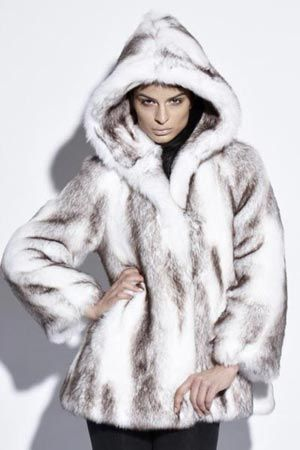 Husky-pattern faux fur hooded coat | Russian Winter Fashion