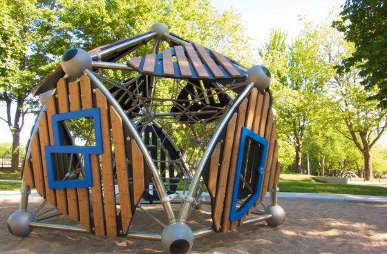 Aire de jeu au parc Jeanne-Mance