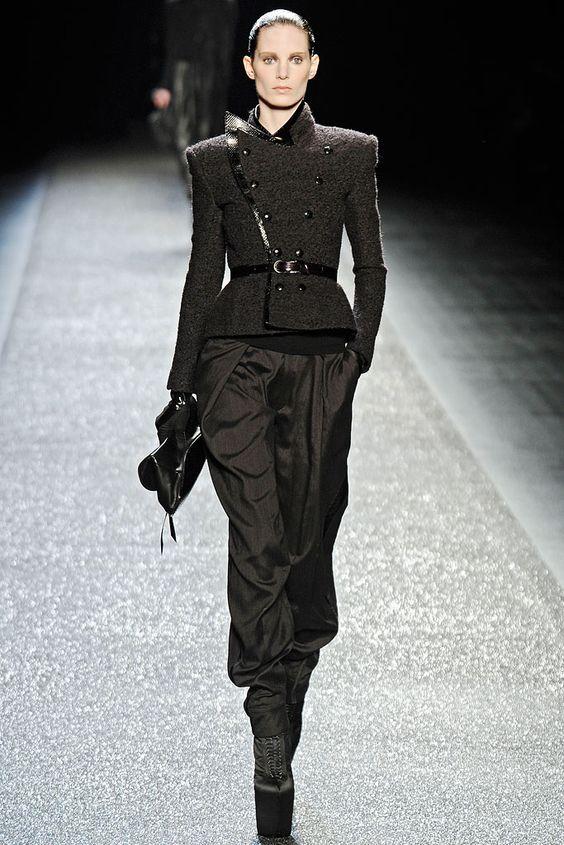 Nina Ricci Fall 2009 Ready-to-Wear Look 10