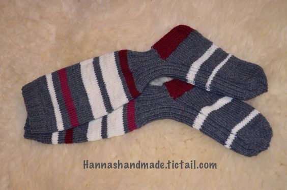 #birthday #gift #wool #socks with #stripes #handmade #finland #villasukat #polvisukat #raidat #itetein