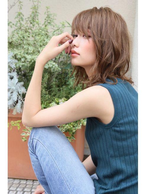 大人女子に ひし形 くびれの巻髪パーマ Ke 351 ヘアカタログ