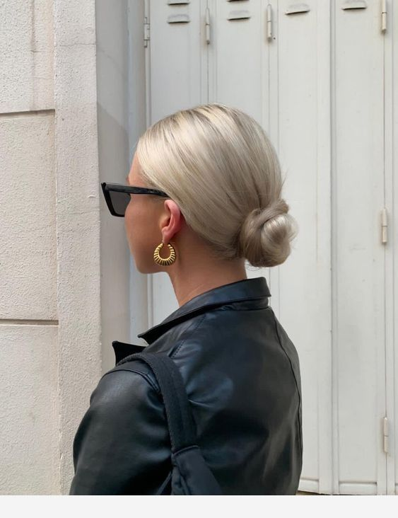 Low bun and a beautiful color