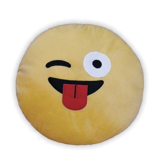 Olha que linda e divertida essa Almofada Decorativa Whatsapp - Emoji Piscadinha Com Língua! Alegre sua casa e valorize a decoração do seu lar com essa almofada super fofa! Excelente qualidade, feita com todo carinho para você! Adquira já a sua!