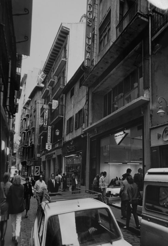 Pamplona navarra calle comedias fotos antiguas for Casa puntos pamplona