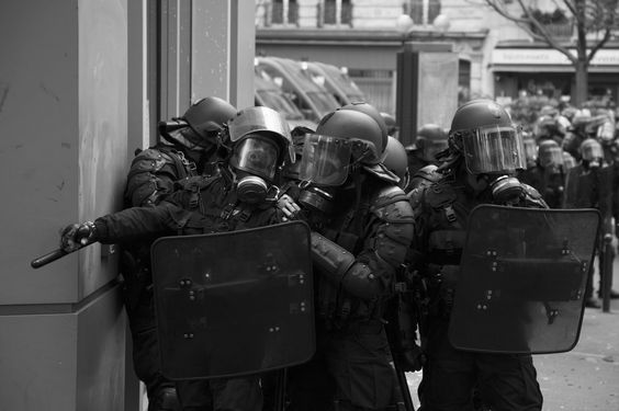 In the corner - Manifestation contre la loi travail. Paris, 19 mai 2016