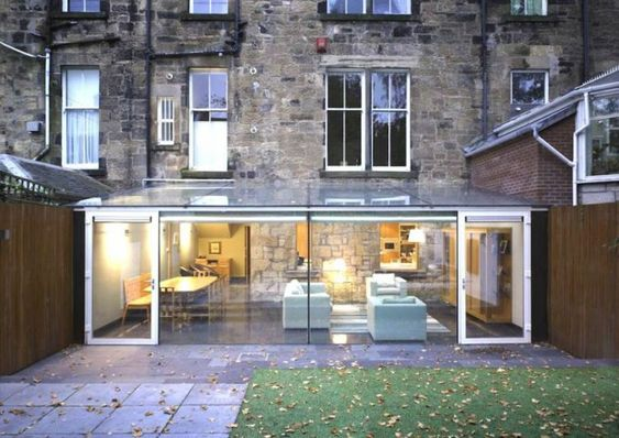 extérieur de maison et extension en verre