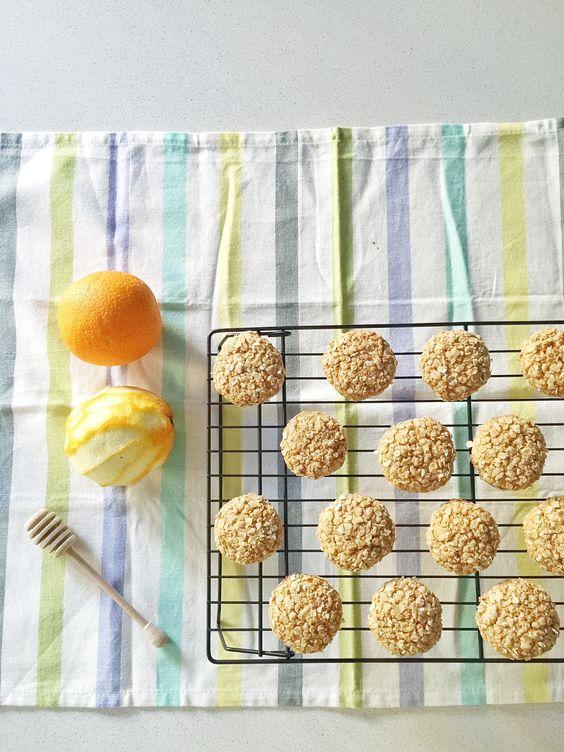 Unas ricas galletas de avena y naranja y encima sanas! muy fáciles de hacer, que aguantan muy bien y que una vez que las pruebes, querrás más!
