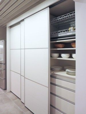 システムキッチン人気色と おすすめリフォームプラン キッチン 収納