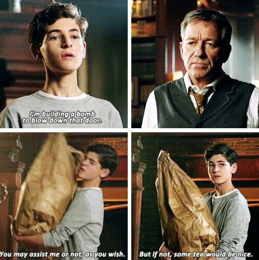 """I'm building a bomb to blow down that door"" - Bruce and Alfred #Gotham . Can't be any cuter than this >_<"