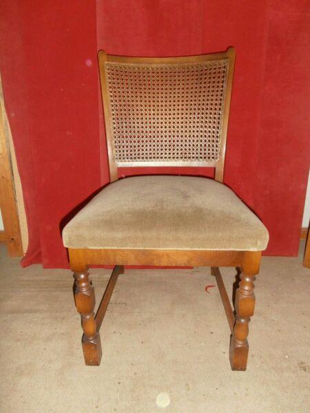 Biete Hier 6 Stuhle Aus Den 70er Jahren Sitz Beige Grun Gepolstert Ruckenlehne Ist Aus Reserviert 6 Stuhle Aus Den 70er Jahren Gut Erh In 2020 Stuhle Polster 70er