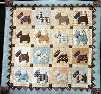 Loving these colors.  Adorable scottie dogs with a prairie point border.: