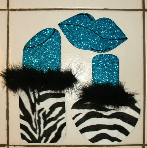 Zebra wall decor for girls room how cute is that for Cute zebra bedroom ideas