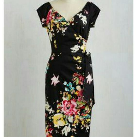 Floral wiggle dress from Modcloth Slice of Layer Cake Dress in Black. NWT Sz UK 14 fits like a US10 in my opinion. Gorgeous dress that is sadly a little too small for me ModCloth Dresses Midi