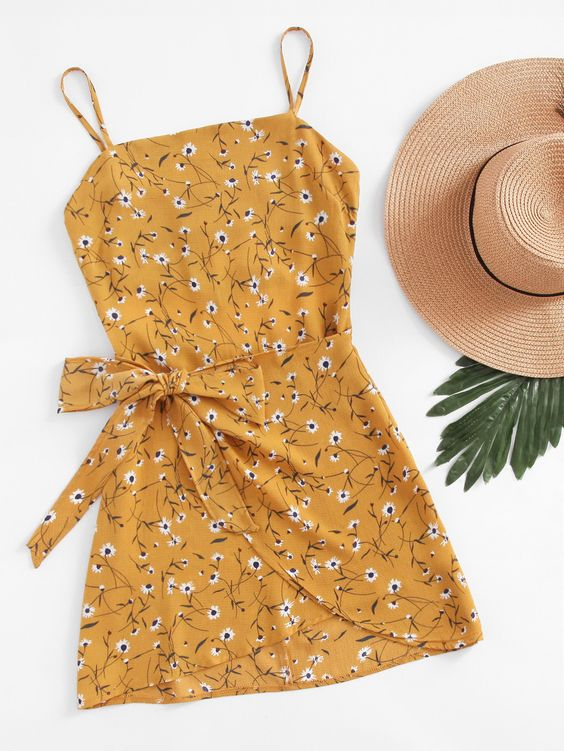 ¡Consigue este tipo de vestido informal de SheIn ahora! Haz clic para ver los detalles. Envíos gratis a toda España. Ditsy Print Open Back Wrap Hem Cami Dress: Yellow Elegant Vacation Polyester Spaghetti Strap Sleeveless A Line Short Knot Floral Fabric has no stretch Summer Slip Dresses. (vestido informal, casual, informales, informal, day, kleid casual, vestido informal, robe informelle, vestito informale, día)