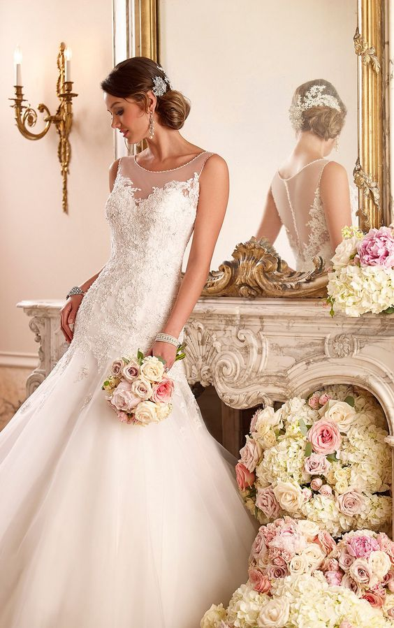 https://flic.kr/p/BfrxnQ | Trouwjurken | Trouwjurken vintage, Moderne Trouwjurken, Korte trouwjurken, Avondjurken, Wedding Dress, Wedding Dresses | www.popo-shoes.nl