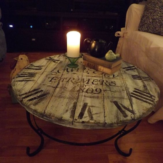 A Wood Pallet Crafted Clock Coffee Table Coffee Tables Clock And A Compass