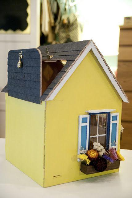 une urne en forme de maison trop mignon mariage pinterest. Black Bedroom Furniture Sets. Home Design Ideas