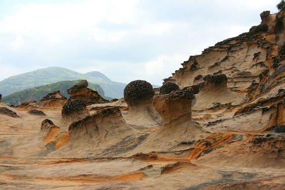 Những viên đá có nhiều hình dáng khác nhau