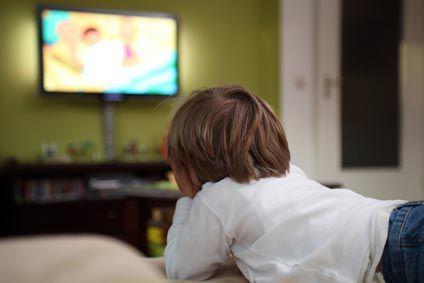 L'enfant et la télévision: un cadre à poser ! (670)