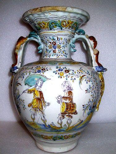 Anfora del siglo xviii de talavera de la reina museo for Ceramica talavera madrid