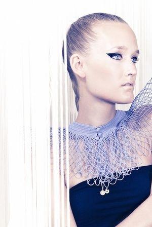 ANA von RITA IN PALMA jetzt auf nelou.com shoppen. Und 5500 weitere Designs mehr.