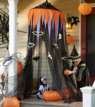 halloween mosquito net decor      AWESOME