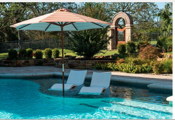 Pool with tanning ledge atx home pinterest to be i for Pool design with tanning ledge