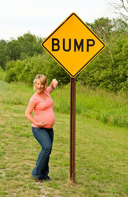 YOU HAVE TO DO THIS! funny maternity photo this is what I WANTED to do, I couldn't find a sign!