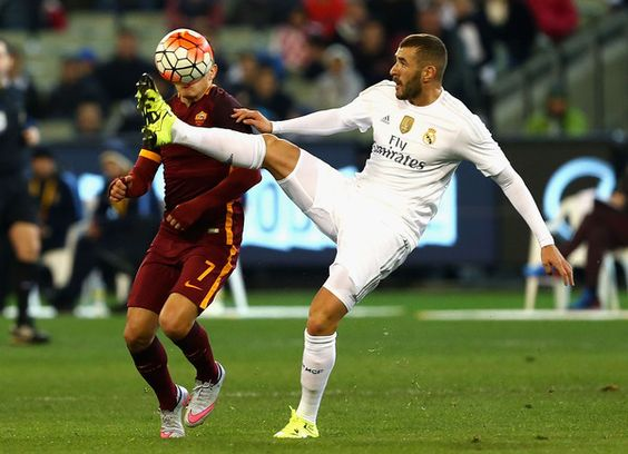 """Karim Benzema Transfer Talk : Arsene Wenger says that the """"funds are there"""" for one more big signing"""