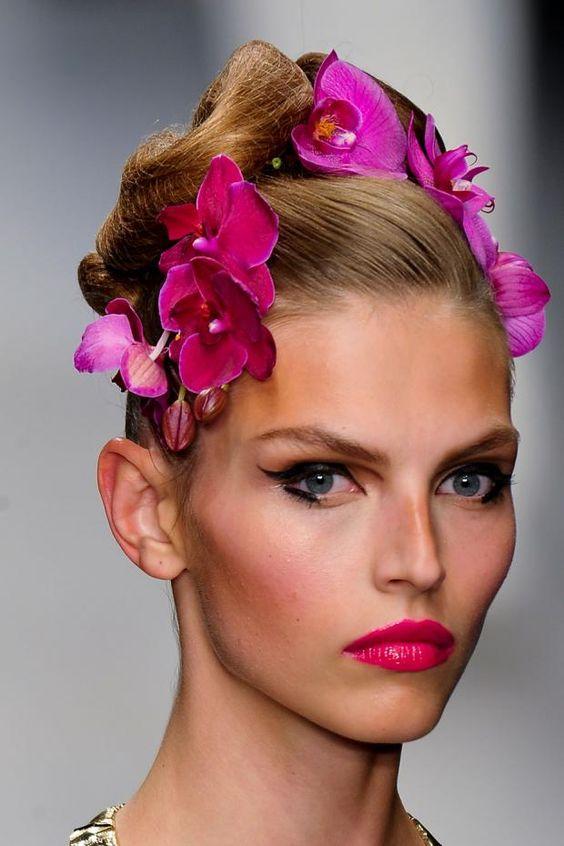Beleza no desfile da estilista Issa para o verão 2013 em Londres Fashion Week