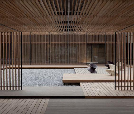 Le Méridien, Zhengzhou, China. Einfach perfekt!  In den Gebäude könnten sich Schulúngsräume oder die Verwaltung befinden.