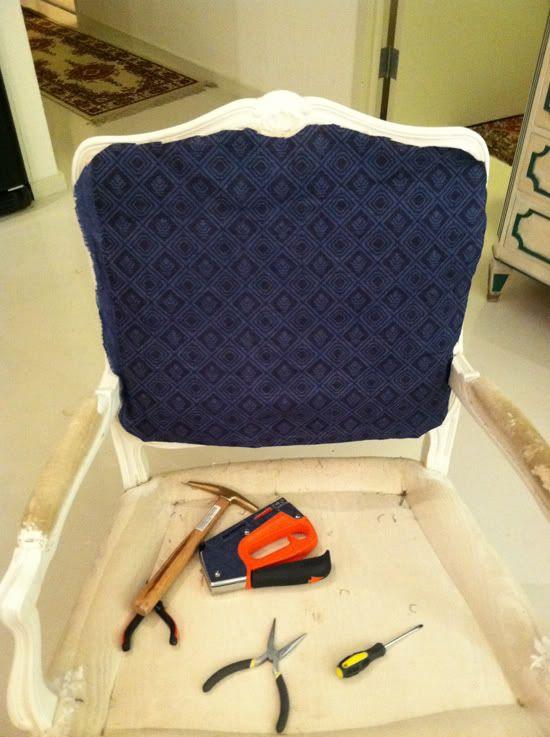 I need to learn how to reupholster - what a great instructional.
