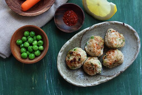 Juicy Chicken Meatballs | Recipe | Chicken Meatballs, Chicken Meatball ...