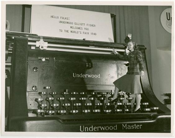 Máquina de escribir gigante usada en la feria mundial (1940).