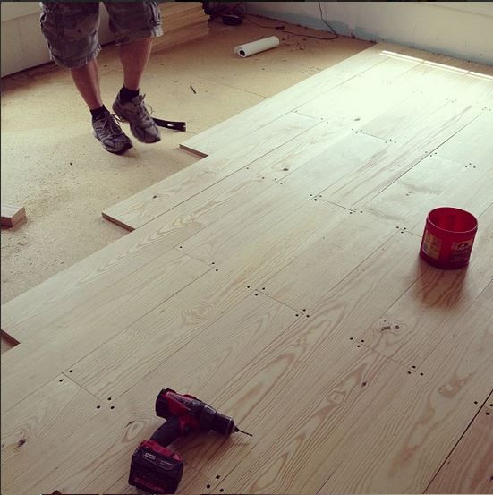 Diy wood floors stains diy flooring and pine for Cottage flooring ideas