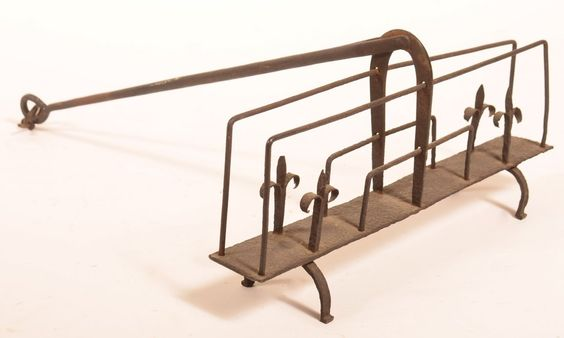 19th Century Wrought Iron Swivel Toaster L 17 1/4: