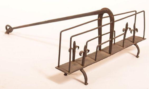19th Century Wrought Iron Swivel Toaster L 17 1/4: