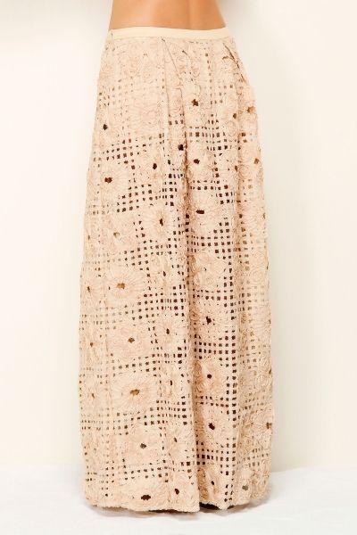 Renda a laser saia longa pela Fazenda Rio. / Laser Lace Long Skirt by Farm Rio.