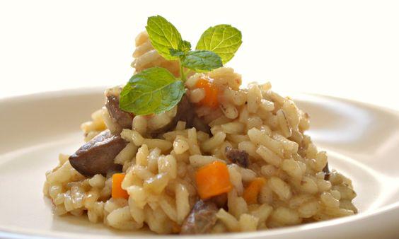 Con il risotto ai fegatini di pollo, potrete portare in tavola un piatto tipicamente veneto, molto economico e che piacerà senz'altro! Scopri la nostra ricetta nell'articolo: http://macellerialacarne.it/index.php/risotto-con-fegatini-di-pollo/ #macelleria #gastronomia #Rovigo #risotto #ricette