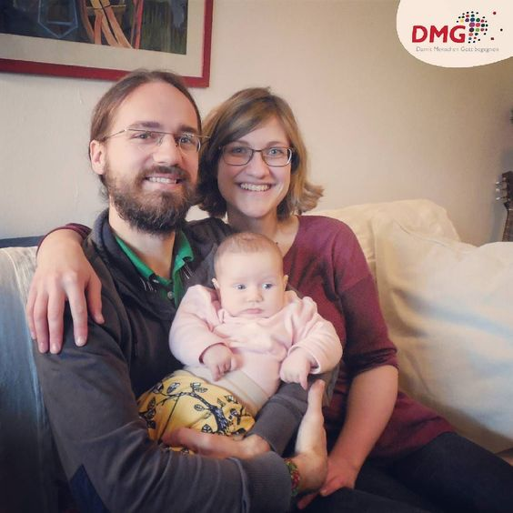Neu bei der DMG: David und Anne Kretschmer. In #Albanien wird die junge #Familie in eine sozialdiakonische Arbeit einsteigen und #Gemeinde bauen. __________ Seit dem 01.09. bereiten sich am #Buchenauerhof 11 neue #Missionare auf ihren #Einsatz vor. Unterstützt ihre Arbeit mit uns im #Gebet! __________ #DMGint #Mission #Berufung #Abenteuer #NextStep #Vertrauen #Vorbereitung #sozial #prayforthem