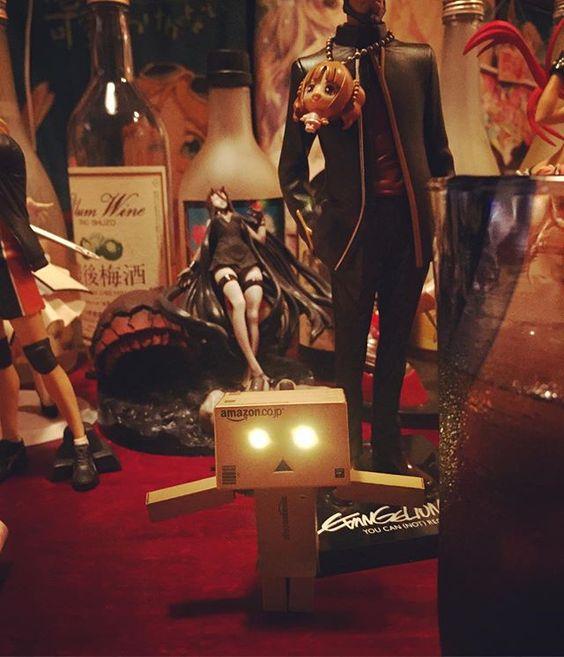 ダンボーとBAR。 #ダンボー #danbo  #ダンボー写真部  #オタクbar  #フィギュアとポスターに囲まれた楽しいお店でした