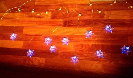 Details about New 10 LED snowflake Christmas lights White to blue