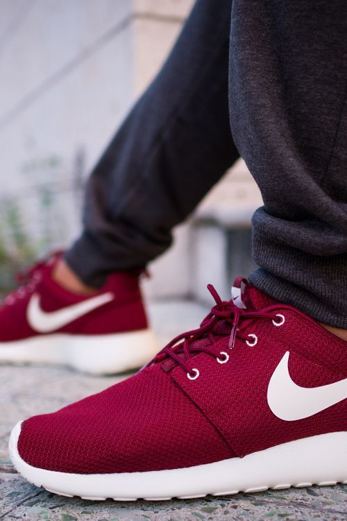Nike Roshe Run. Watch out for fakes when shopping online, check ...