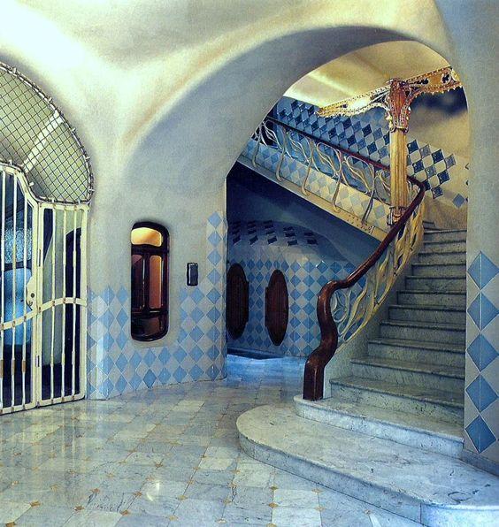Casa Batlló escalera interior | Fotos Barcelona ...