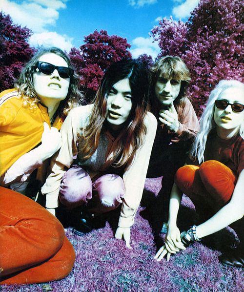 Smashing Pumpkins (Billy Corgan, James Iha, Jimmy Chamberlin, D'arcy Wretzky), Select, 1993.