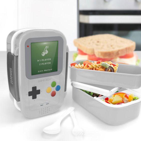 Game Boy vira Bentô com vários compartimentos para uma refeição completa