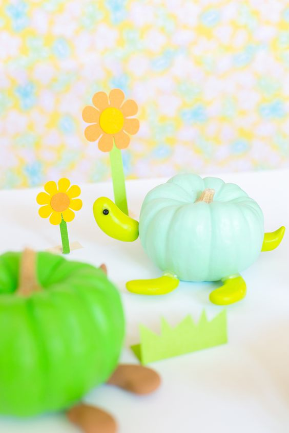 » DIY Turtle Pumpkins