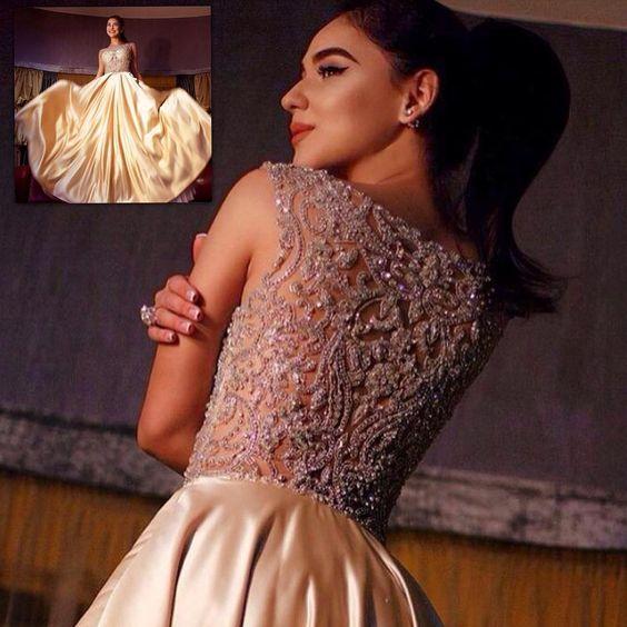 Яркий образ от известного бренда вечерней моды #TarikEDIZ в наличии в нашем салоне! #fashion #girls #collection #couture #newcollection #style #dress #dream #PRONOVIAS #jovani #eveningdress